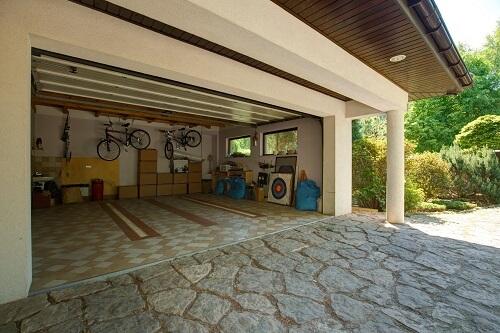 quelle est la taille standard d 39 un garage. Black Bedroom Furniture Sets. Home Design Ideas